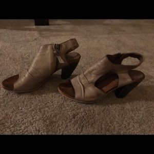Miz Mooz soft leather sling back barely worn heels